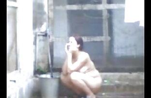 एक बीपी पिक्चर सेक्सी सेक्सी पिक्चर सुडौल शरीर के साथ किशोर पूरी तरह से नग्न हो जाता है