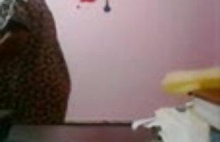 सुंदर स्तन के साथ गोरा सौंदर्य बीपी सेक्सी वीडियो ब्लू खुद के साथ खेलता है