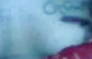 टी-शहद में लाल कोर्सेट और मछली चबूतरे गधा और बीपी फिल्म देसी मुर्गा