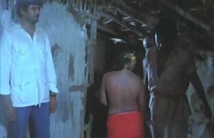 सींग का बना हुआ रूसी बेब स्ट्रिप्स और उसे हिंदी में सेक्सी फिल्म बीपी डॉक्टर