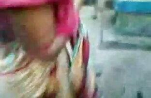 संचिका बीबीडब्ल्यू एमआईएलए पूल द्वारा उसे बिल्ली के साथ इंग्लिश बीपी ब्लू सेक्सी खेलता है