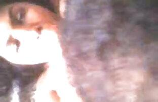 सुंदर आकर्षक उसके प्रशंसकों के लिए तंग ब्लू सेक्सी वीडियो बीपी उसके छत्ते से पता चलता है