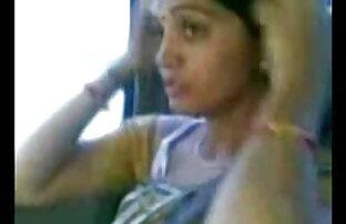 छोटे बालों वाली लड़की अंत अंग्रेजी ब्लू फिल्म बीपी में उसे जाँघिया नीचे ले जाता है